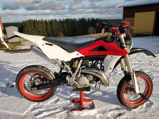 Husqvarna Sm 125 125 Cm U00b3 2008 - Pieks U00e4m U00e4ki - Motorcycle