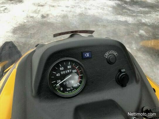 Tayga Tiksy Touring - Moottorikelkka
