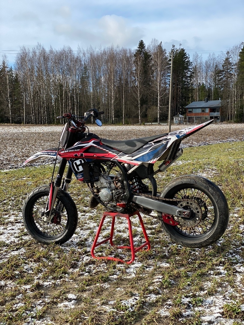 Husqvarna CR 125 125 cm³ 2009 - Nurmijärvi - Moottoripyörä