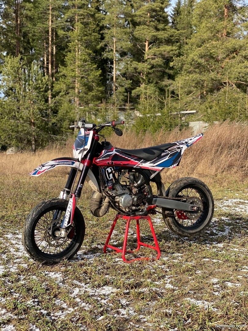 Husqvarna WR 125 125 cm³ 2009 - Salo - Moottoripyörä