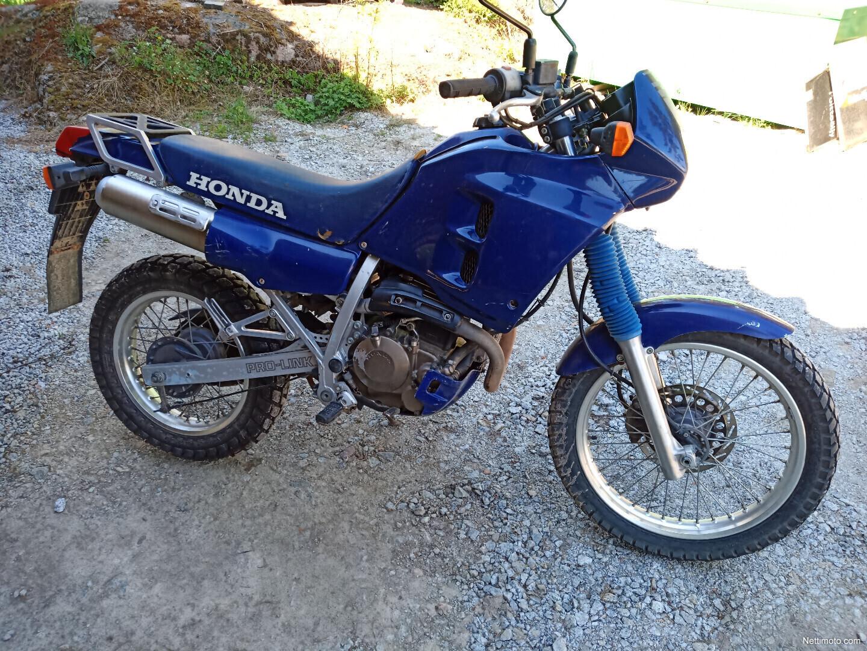 Honda NX 250 Dominator