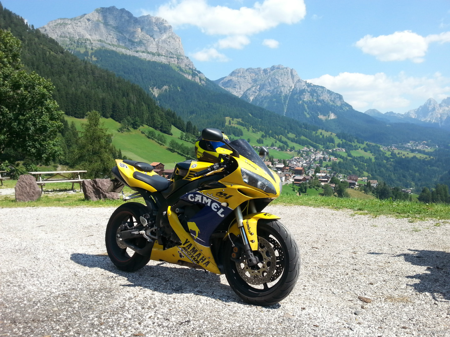 Yamaha yzf r1 m1 valentino rossi replica 1 000 cm 2006 for Yamaha m1 for sale