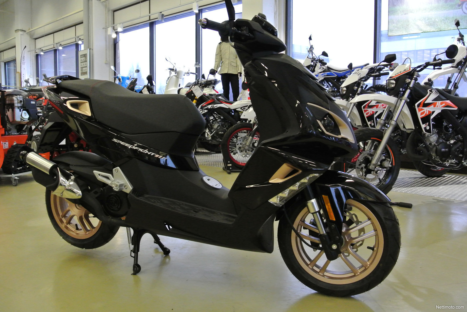 peugeot speedfight 4 black pure 2t ac 50 cm 2017 vantaa scooter nettimoto. Black Bedroom Furniture Sets. Home Design Ideas