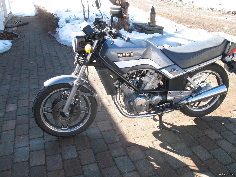 Rennerprobt: Yamaha XZ 550 Pottracer von Oleck