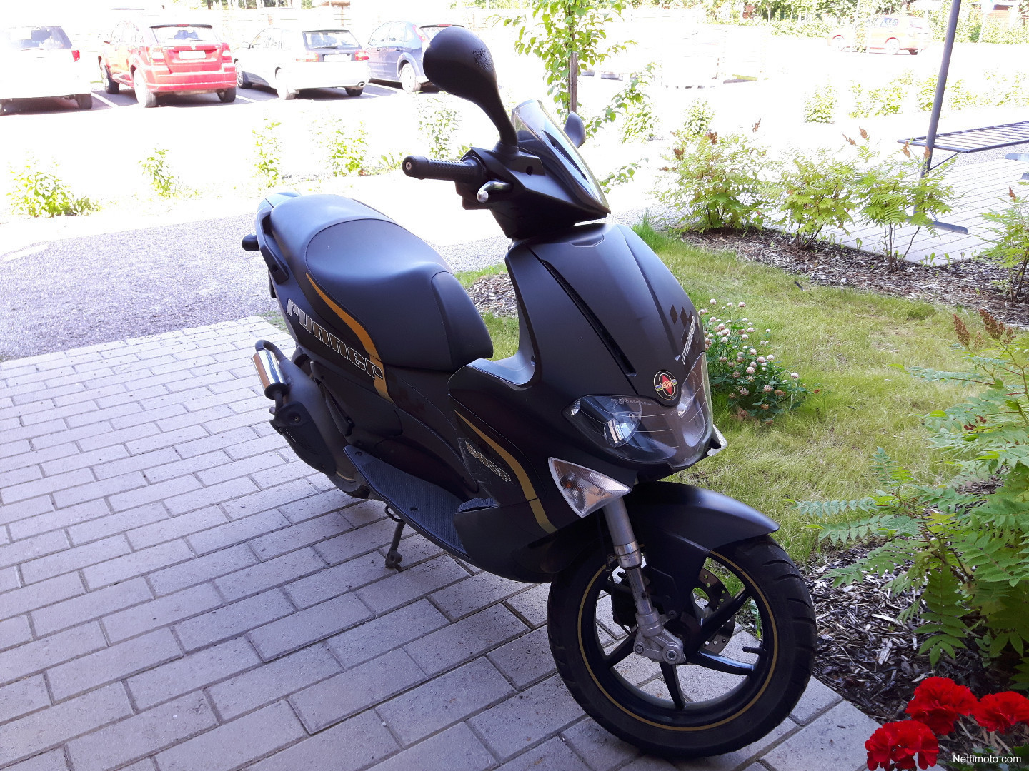 gilera runner sp 50 50 cm 2012 j rvenp scooter nettimoto. Black Bedroom Furniture Sets. Home Design Ideas