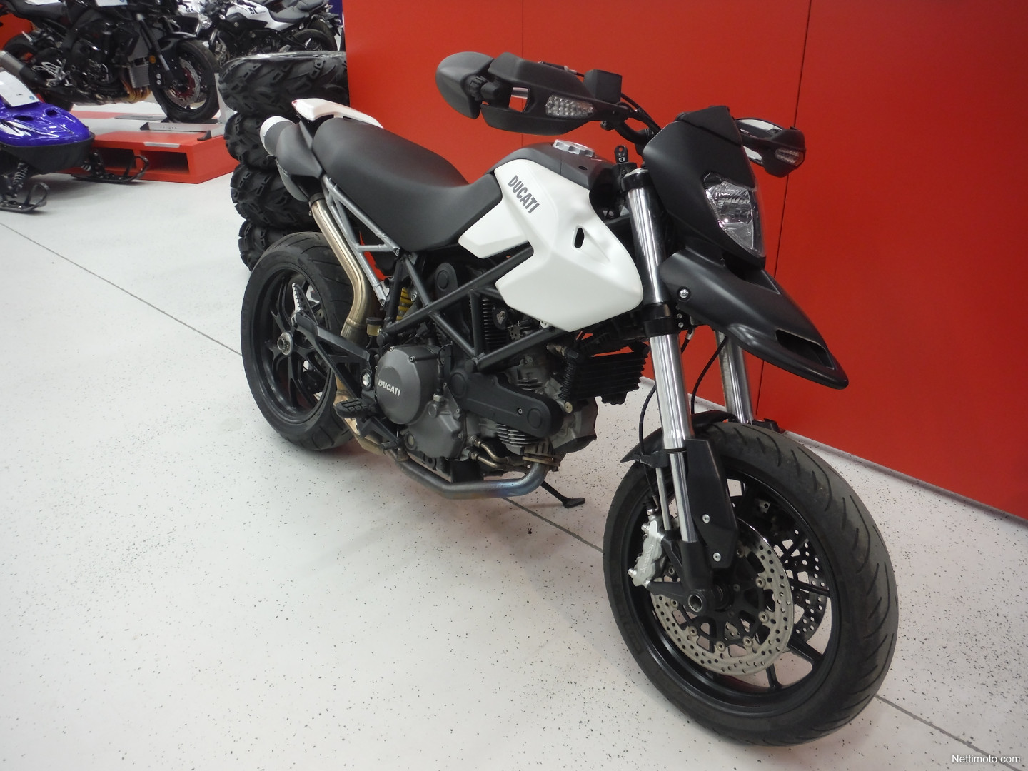 ducati hypermotard 796 800 cm 2011 kuopio motorcycle nettimoto. Black Bedroom Furniture Sets. Home Design Ideas