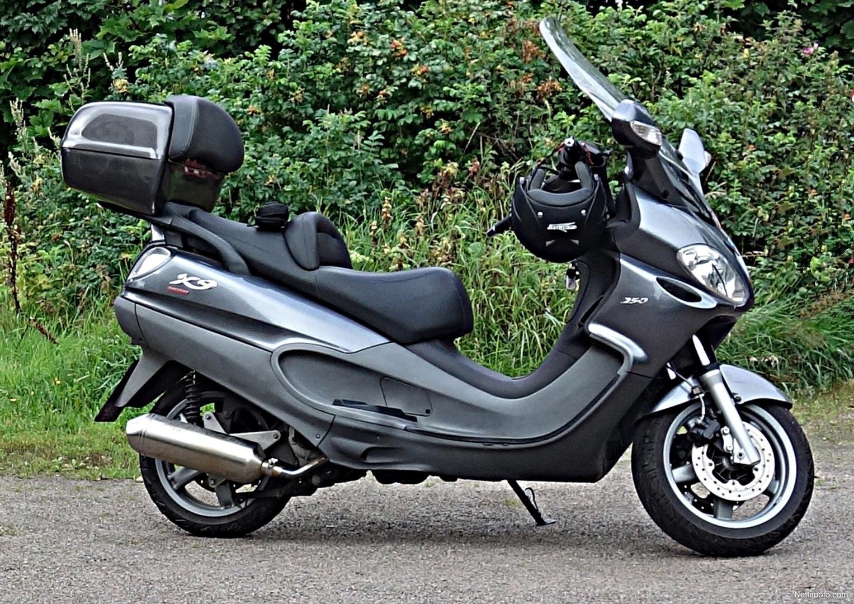 piaggio x9 evolution 250 cm 2007 vantaa scooter nettimoto. Black Bedroom Furniture Sets. Home Design Ideas