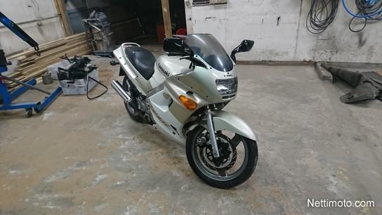 Kawasaki ZZR 250 24kW Pirte Pikku Kyykky Cm 2002