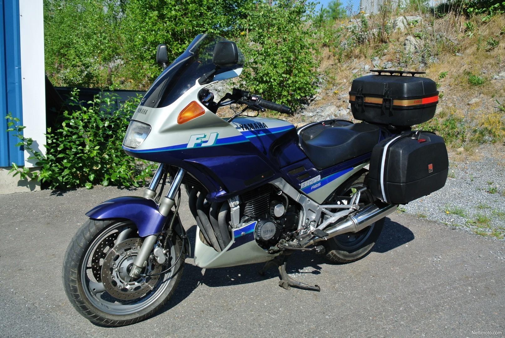 1989 Yamaha FJ 1200 - Moto.ZombDrive.COM