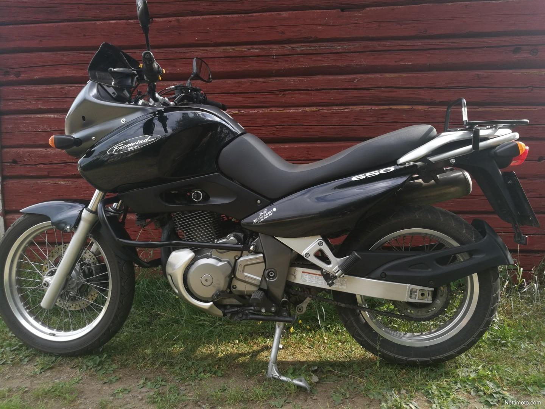Suzuki XF 650 Freewind 1999 Specs and Photos