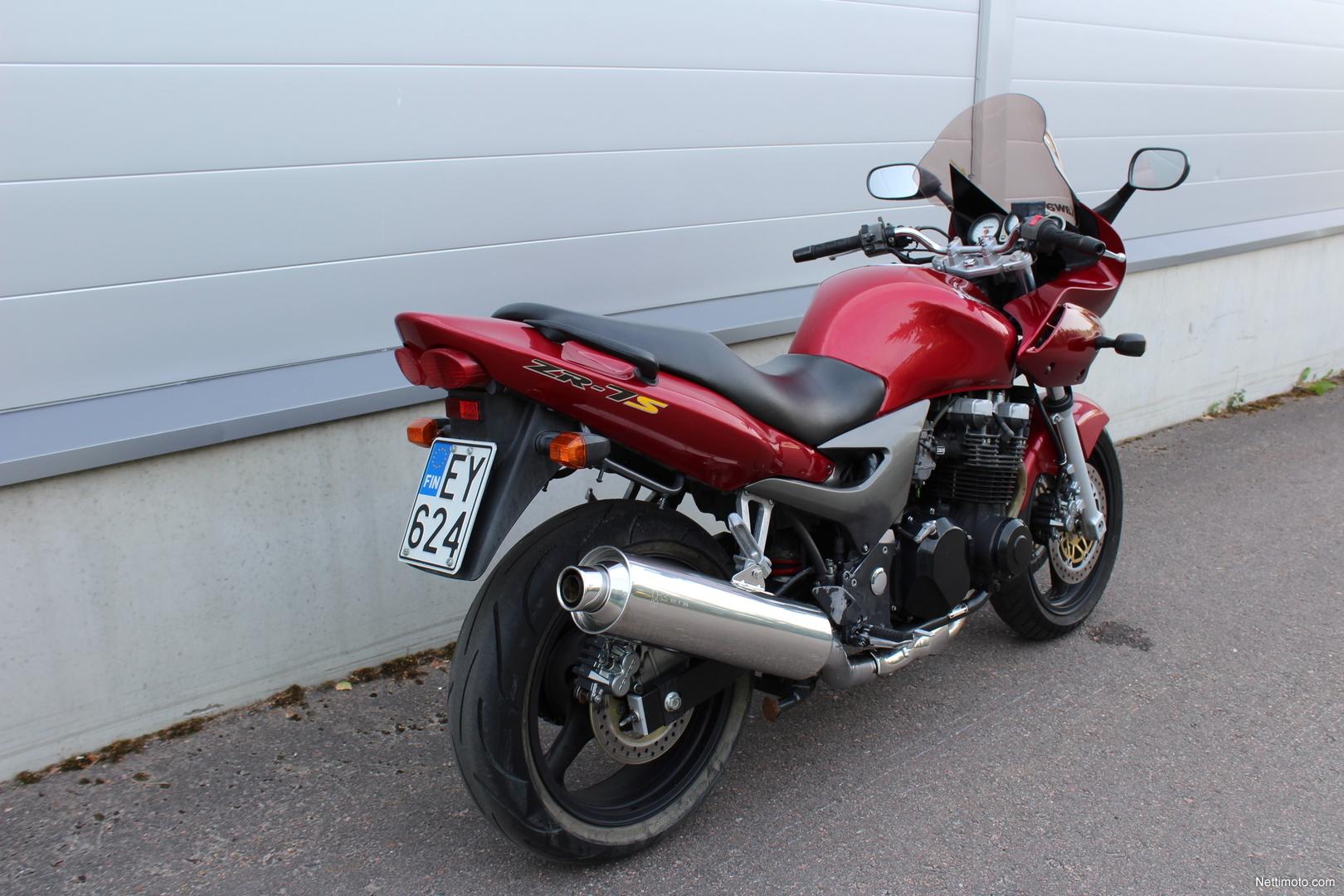Kawasaki ZR,750 F 739 cm3, 2004 god.
