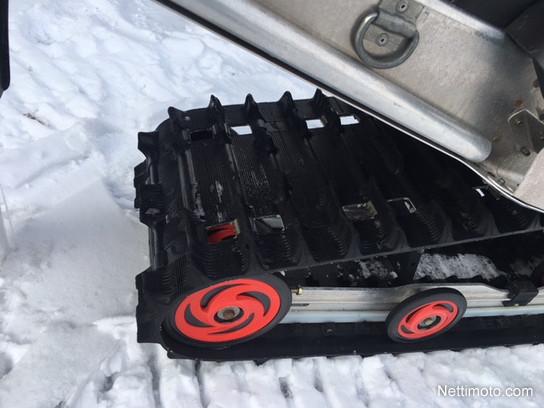 Polaris 600 SwitchBack Deep Snow - Moottorikelkka