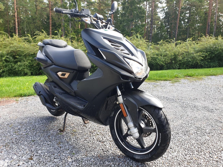 2014 Yamaha Aerox R Naked 50 - Moto.ZombDrive.COM