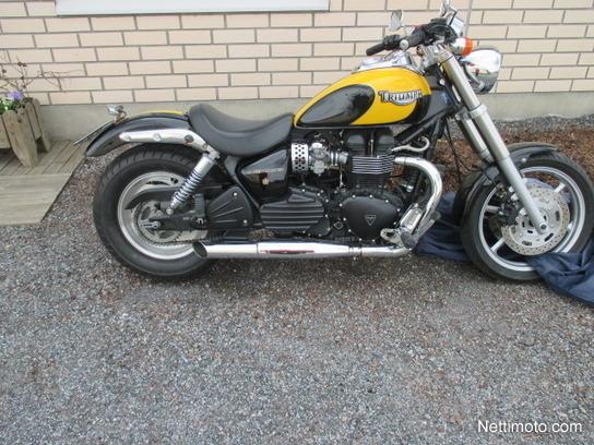 Arvostelut Motosta Triumph Speedmaster Arvostelut Kokemuksia